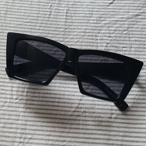 Sunglasses 📣FREE  with any purchase